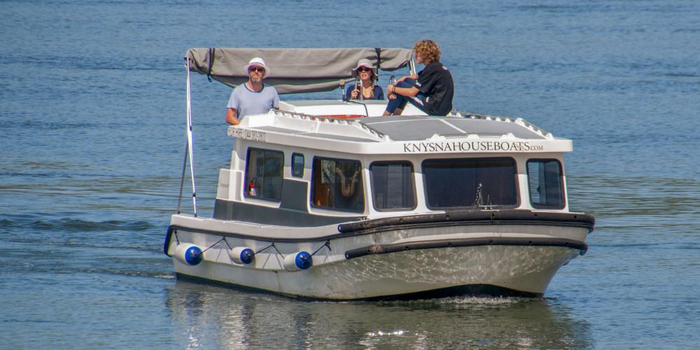renting a houseboat in Knysna
