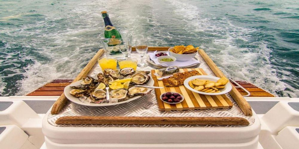 Oysters on a yacht in the lagoon